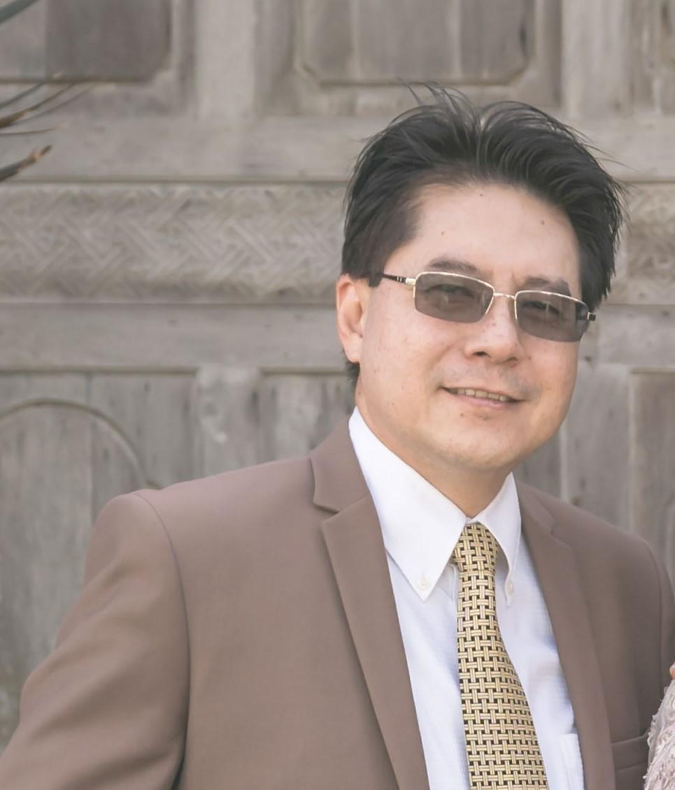Dr. Stephanas  Budiono